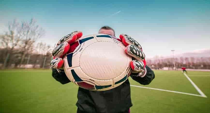 best goalkeeper gloves featured